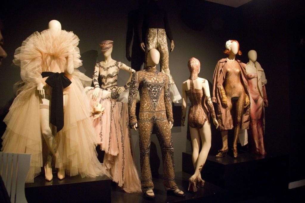 La obra de Jean Paul Gaultier, expuesta en la Fundación Mapre