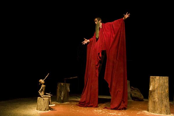 Teatralia 2013 entra en su recta final con espectáculos de títeres, sombras y música