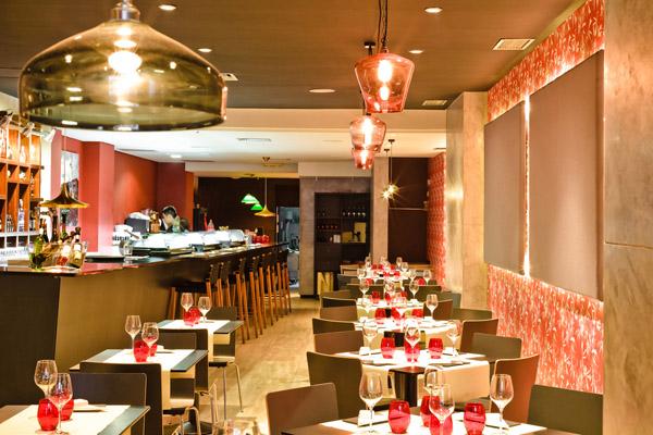 El restaurante Banzai invita a cava y Gin Tonic por su primer cumpleaños