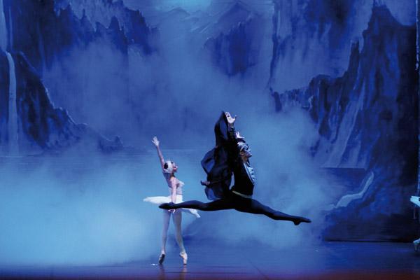 El Lago de los Cisnes y La Bella Durmiente en el Teatro Nuevo Apolo