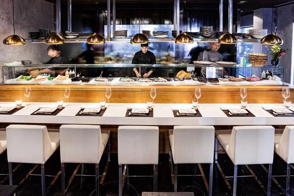 99-sushi-bar-Eurobuilding-foto-nines-minguez-25-600x400