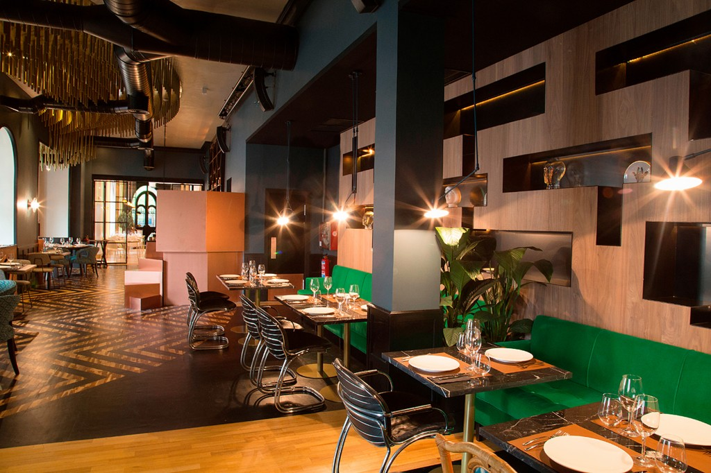 6. LIBRARY - RESTAURANTE FOX