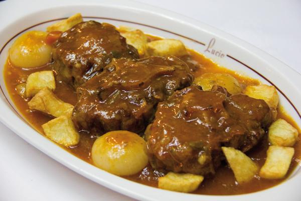 ¡Descubre donde comer el mejor rabo de toro de Madrid!
