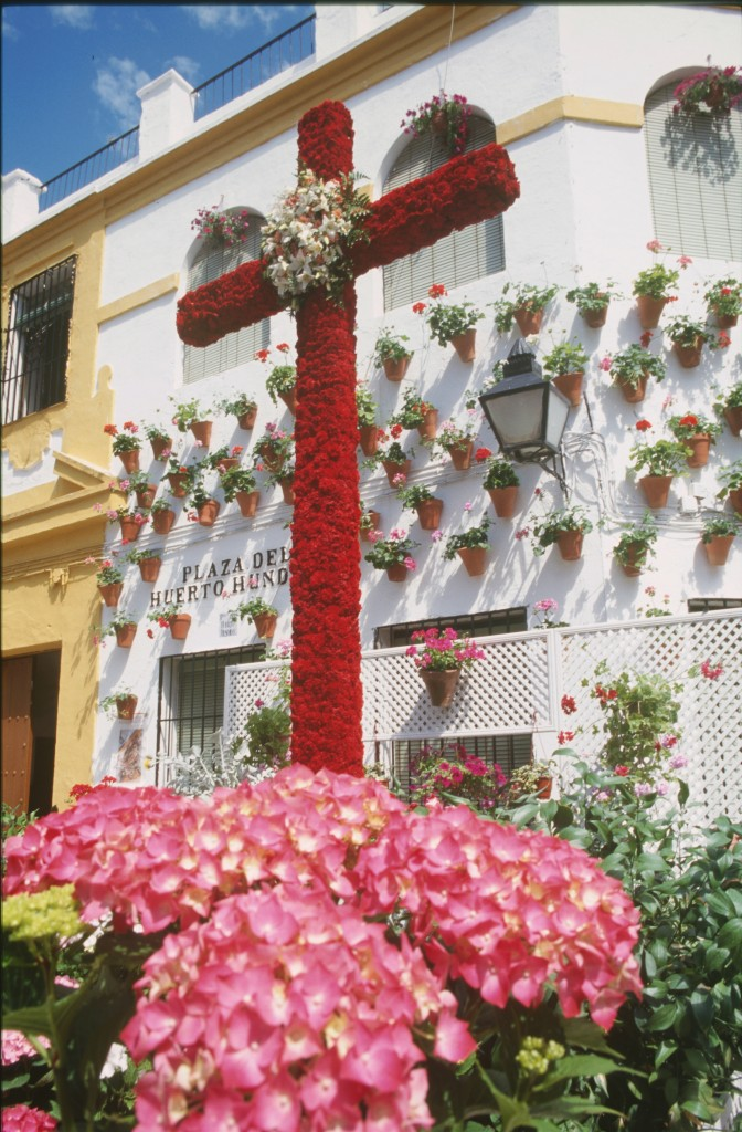 Córdoba muestra su alma en forma de floridos patios