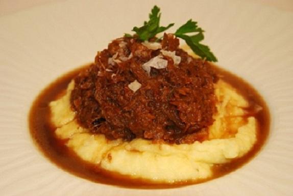 Rabo de toro con puré de patata- La Dominga