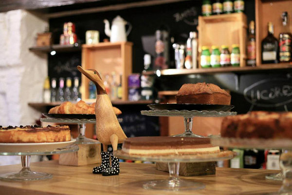 Mür Café, un estilo rústico-industrial y productos artesanales