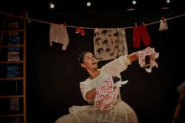 Eugenia Manzanera: CorporeOOOH! Teatro para bebes. Sala Triangulo