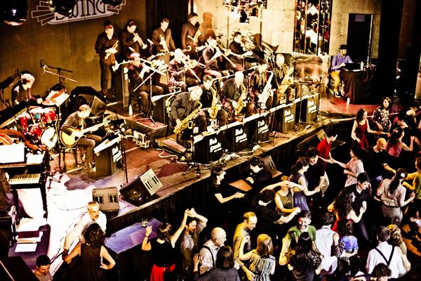 ¿Bailamos swing? Este domingo en el Teatro Barceló