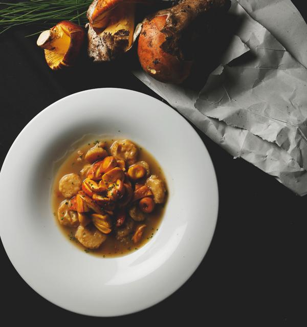 Níscalos con patatas guisadas