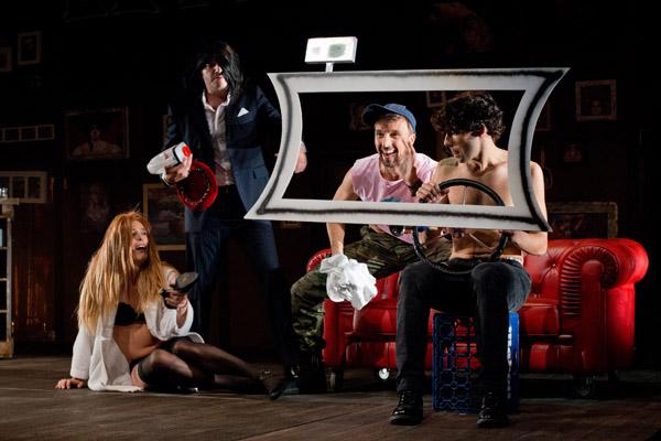 Crítica 'El cabaret de los hombres perdidos': ¿Se puede cambiar el Destino?