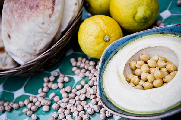 Gastronomía libanesa en el Intercontinental - hommous