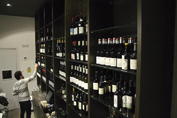las barras de vino de madrid - revista hsm - angelita2
