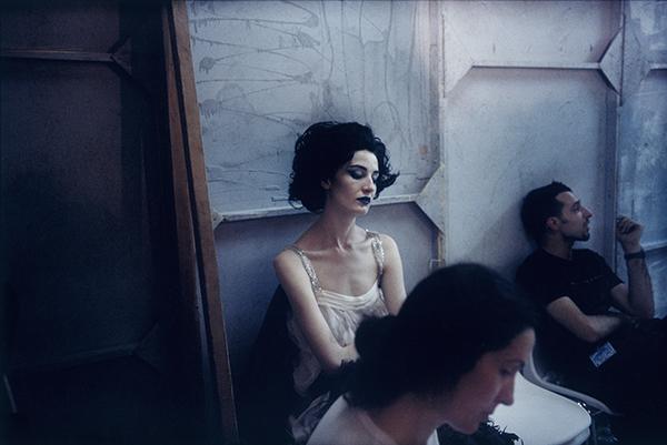Las exposiciones del verano - revista hsm- JOSEPHINE DOUET - Chanel juillet 2000