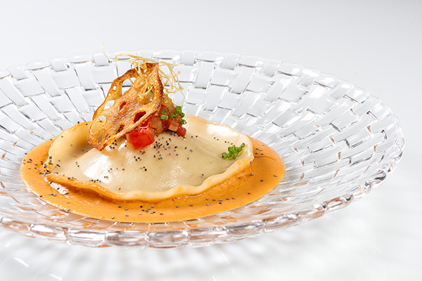 kitchen-party-ravioli-de-centollo-y-pepitoria-de-gambas-kitchen-club