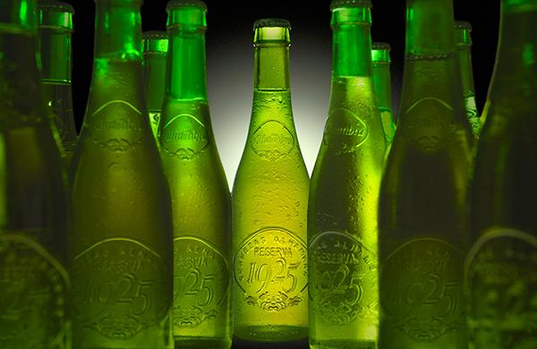 Cena clandestina con Nacho Manzano y cervezas Alhambra