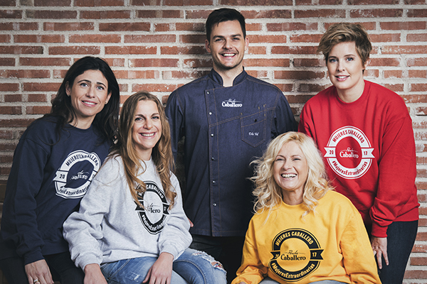 Ponche Caballero rinde homenaje a las #MujeresExtraordinarias