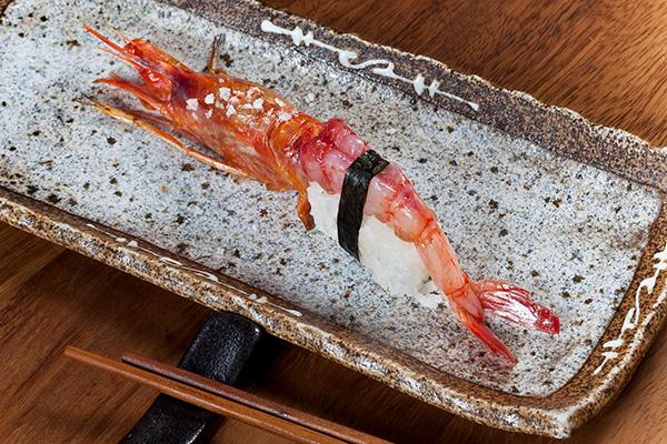 temporada-de-marisco-revista-hsm-99-sushi-bar