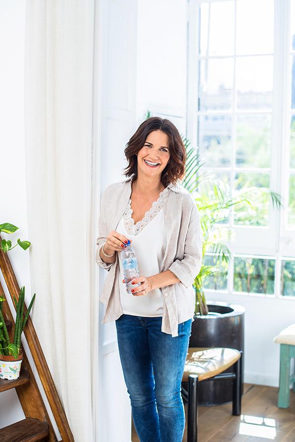 Samantha Vallejo se estrena como embajadora de Agua Eden