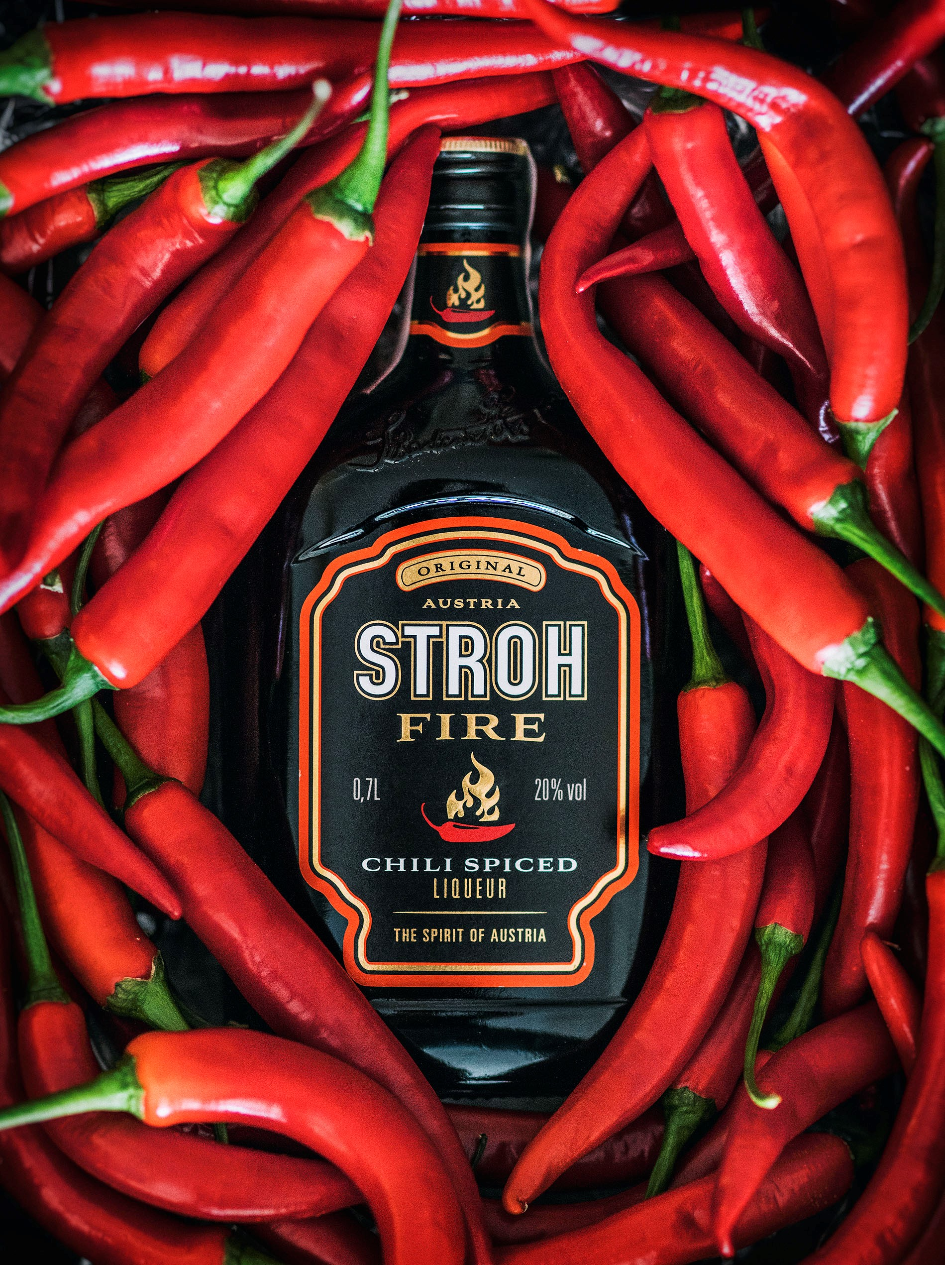 ¿Te atreves con un licor picante? Llega Stroh Fire