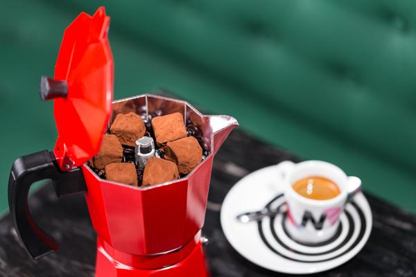 Trufas artesanas de chocolate y Baileys. Sam Zucker