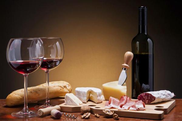 Vinos online: Recomendaciones para el maridaje de vinos y quesos